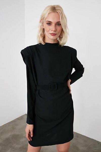 Siyah Kemerli Omuz Detaylı Elbise TWOAW21EL1521