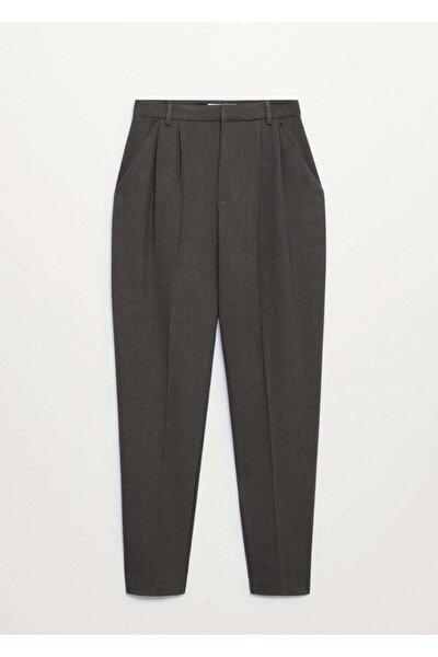 Kadın Gri Pili Detaylı Pantolon