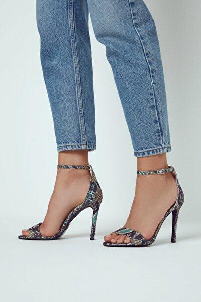 Kadın Siyah Deri Topuklu Sandalet