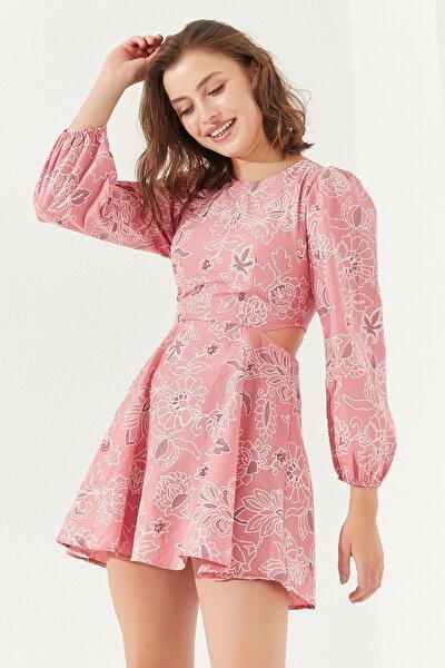 Kadın Sırt Dekolteli Astarlı Mini Elbise Pudra