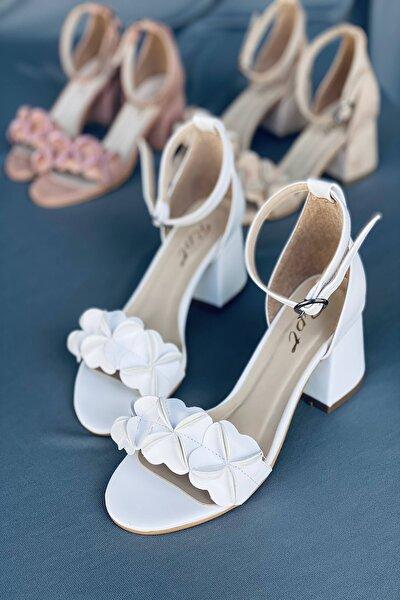 Beyaz Süet Çiçekli Topuklu Ayakkabı