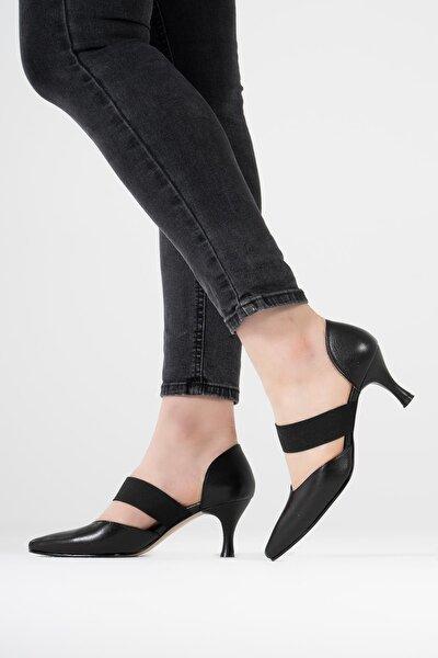 Kadın Siyah Hakiki Deri Lastik Bantlı Sivri Burunlu Topuklu Ayakkabı