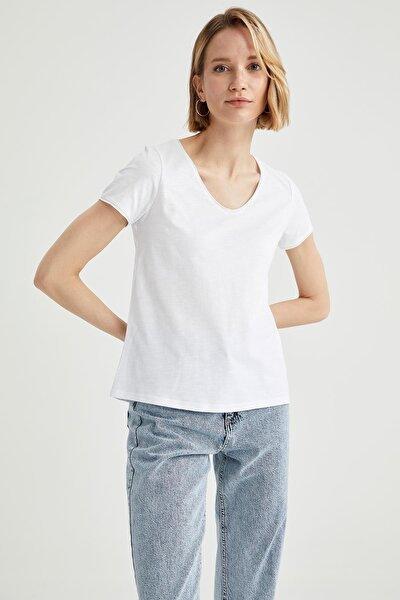 Kadın Beyaz V Yaka Basic Relax Fit Kısa Kollu Tişört K1507AZ21SPWT