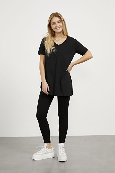 V Yaka Yırtmaçlı Basic T-shirt