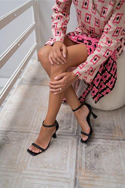 Rowska Kadın Siyah Taşli Topuklu Sandalet