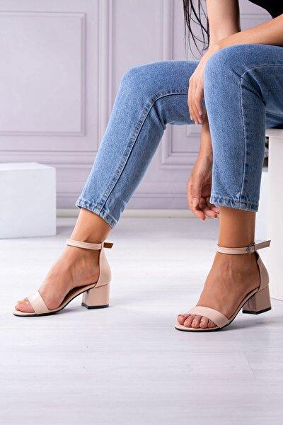 Tek Bantlı Kısa Topuklu Ten.cilt Kadın Ayakkabı