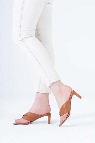 Hakiki Deri Kadın Terlik Parmak Arası Dolgulu Bantlı Sandalet