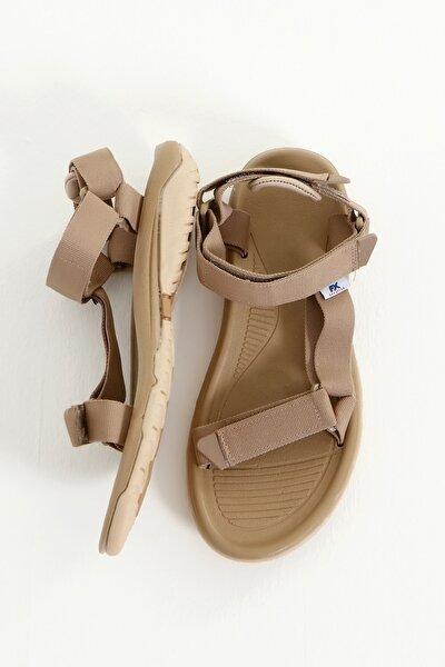 Bej Erkek Cırtlı Trekking Sandalet