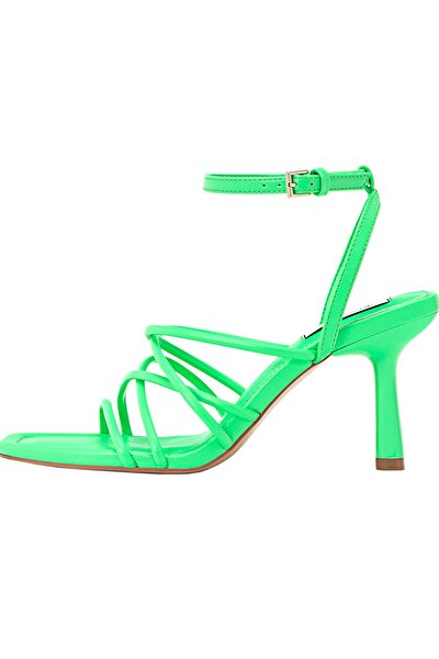 Bantlı Topuklu Sandalet