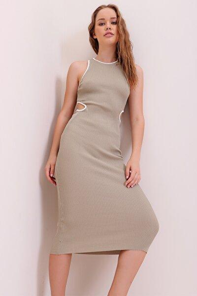 Kadın Kum Biye Şeritli Dekolteli Fitilli Örme Elbise ALC-X6804
