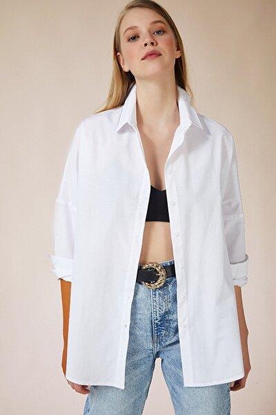 Kadın Beyaz Oversize Uzun Basic Gömlek DD00842