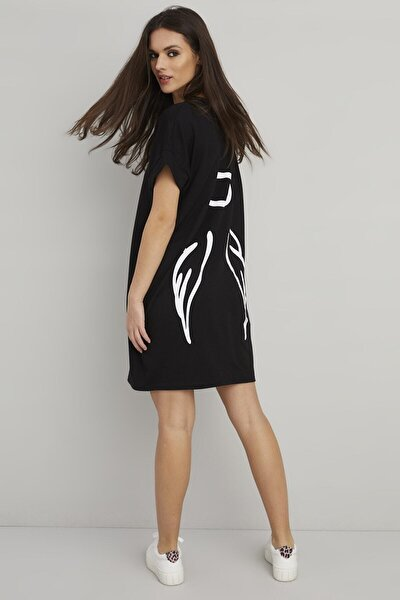 Kadın Siyah Sırt Baskılı Cepli T-shirt Elbise