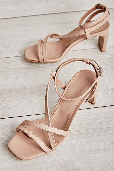 Ten Kadın Klasik Topuklu Ayakkabı K05575000109