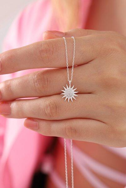 Kadın Tamamı 925 Ayar Gümüş Zirkon Taşlı Güneş Modeli Kolye