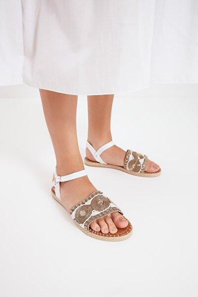 Beyaz Etnik Detaylı Kadın Sandalet TAKSS21SD0015
