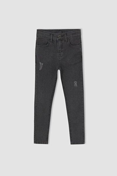 Erkek Çocuk Slim Fit Yırtık Detaylı Jean Pantolon