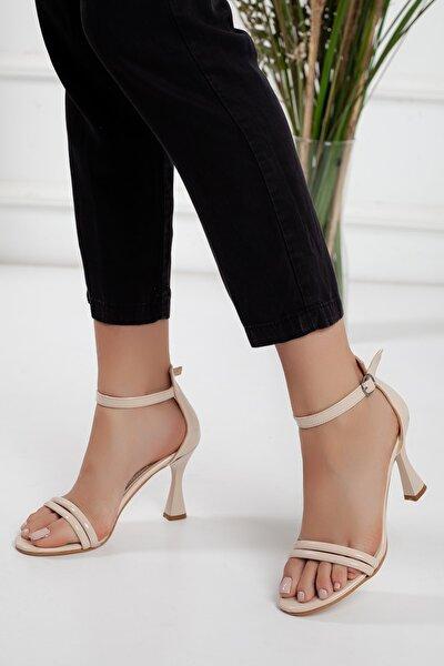 Kadın Ten Rugan Bilekten Bantlı 9cm Ince Topuklu Ince Biyeli Şık Yazlık Ayakkabı