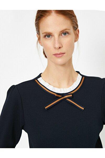 Kadın Lacivert Yaka Detaylı T-Shirt