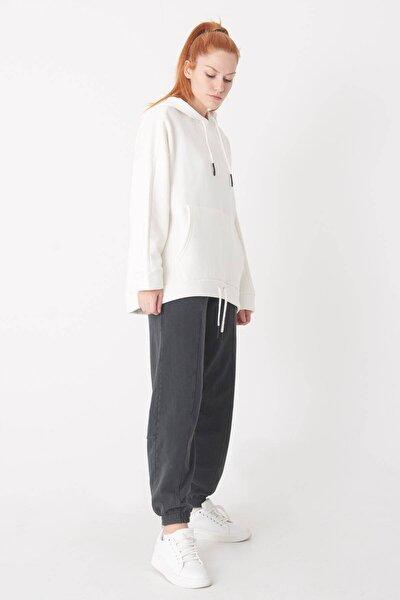 Kadın Ekru Kapüşonlu Oversize Sweatshirt S7270 - B8 ADX-0000020231
