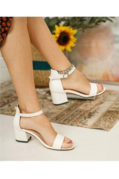 Beyaz Tek Bant Topuklu Ayakkabı Sandalet