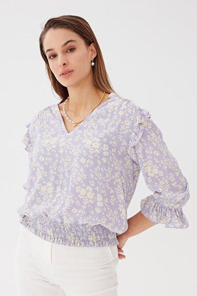 Kadın Lila Omzu Fırfırlı V Yaka Bluz