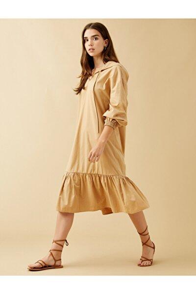 Büzgü Detayli Elbise