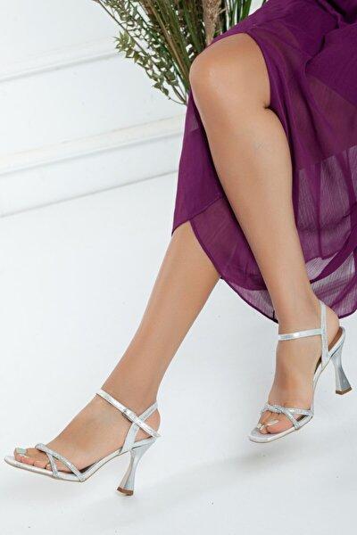 Kadın Yazlık Taş Işlemeli Ayakkabı- Gümüş Sultan Ince Topuklu Ayakkabı-m035