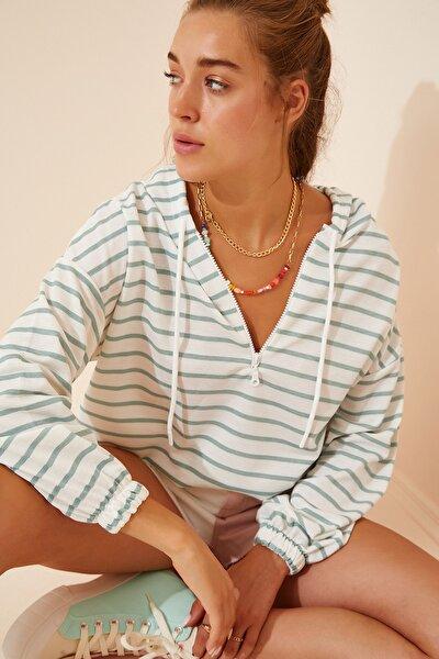 Kadın Yeşil Beyaz Fermuarlı Kapüşonlu Mevsimlik Sweatshirt ZV00137