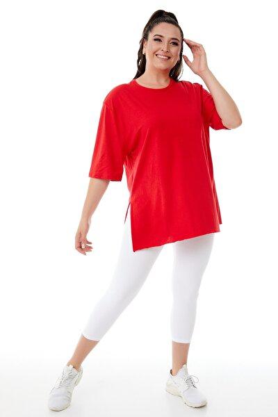 Kadın Büyük Beden Kırmızı Yırtmaçlı Basic T-shirt