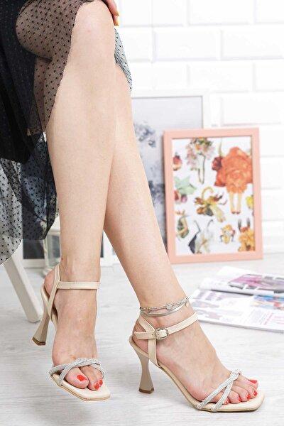 Nude Ince Pırlanta Taşlı Bilekten Tokalı Topuklu Ayakkabı