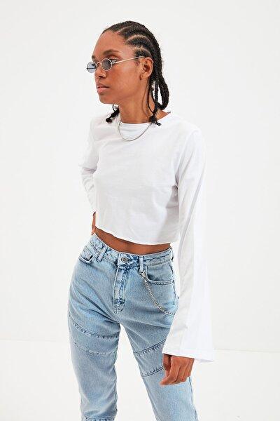 Beyaz Loose Crop Örme T-Shirt TWOAW22TS0042