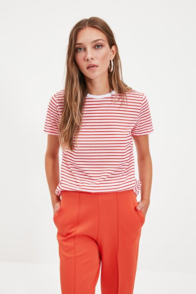 Kırmızı Çizgili Basic Örme T-Shirt TWOSS21TS0904