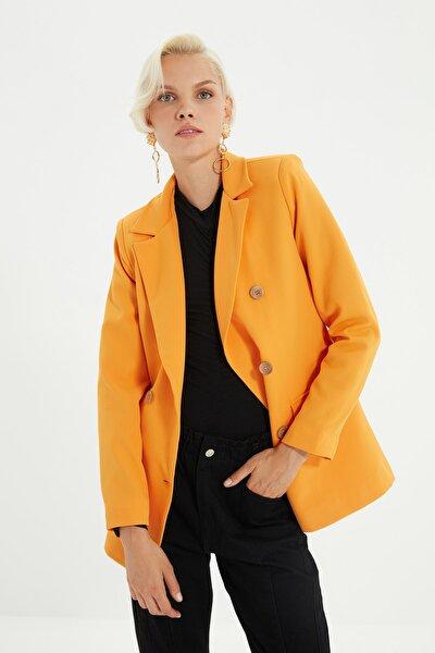Turuncu Düğmeli Ve Cep Detaylı Blazer Ceket TWOSS21CE0012
