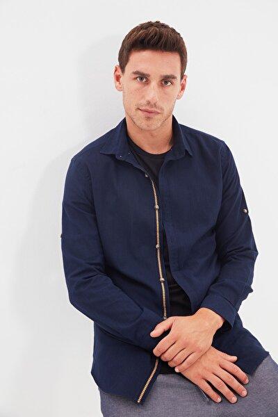 Lacivert Erkek Düğmeli Yaka Apoletli Slim Fit Gömlek TMNSS20GO0189