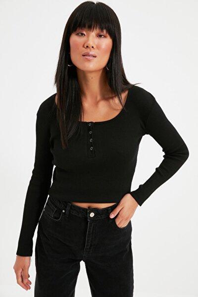Siyah Yakası Çıtçıtlı Fitilli Örme Bluz TWOSS20BZ0683