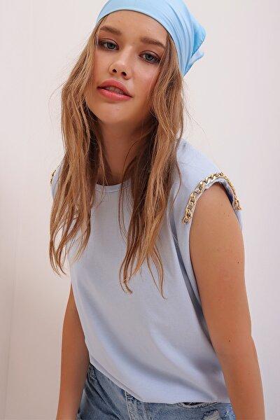 Kadın Mavi Omuzu Vatkalı Aksesuarlı Kolsuz Bluz ALC-X6923