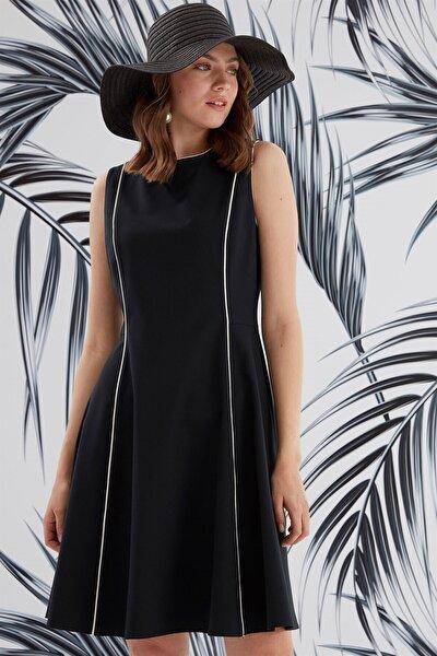 Elbise-sıfır Yaka Ve Kup Biye Detaylı, Kolsuz