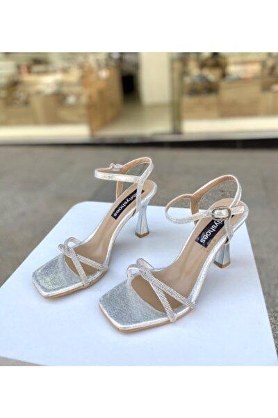 Gümüş Taşlı 9 Cm Topuklu Ayakkabı