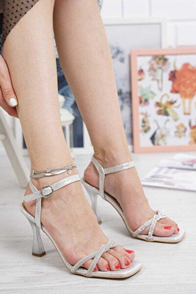 35 Numara Abiye Kadın Gümüş Ince Pırlanta Taşlı Bilekten Tokalı Topuklu Ayakkabı