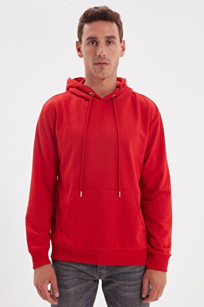 Kırmızı Erkek Slim Fit Kapüşonlu Kanguru Cepli Uzun Kollu Sweatshirt TMNAW20SW0162