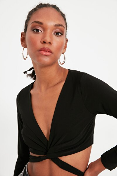 Siyah Bağlama Detaylı Crop Örme Bluz TWOAW21BZ0875