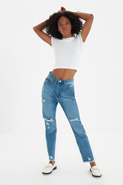 Mavi Yırtık Detaylı Yüksek Bel Mom Jeans TWOSS20JE0114