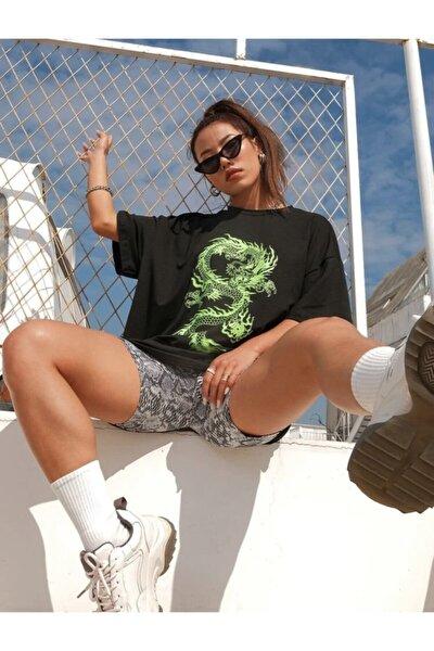 Kadın Siyah Yeşil Ejderha Baskılı Oversize T-shirt