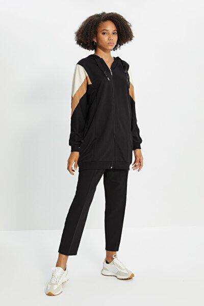Siyah Renk Panelli Fermuarlı Örme Sweatshirt TCTSS21SW0340
