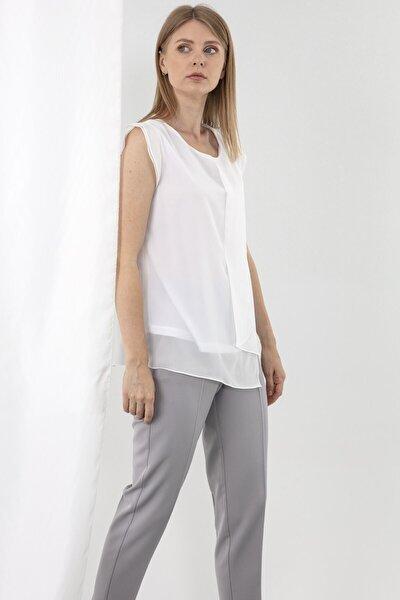 Kayık Yaka Ön Parça Detaylı Volanlı Kısa Kol Beyaz Bluz