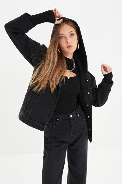 Siyah Kapüşonlu Denim Ceket TWOAW22CE0154