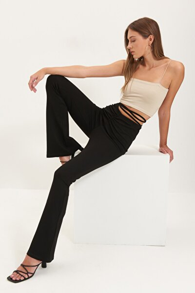 Siyah Bağlama Detaylı İspanyol Paça Örme Pantolon TWOAW22PL0240