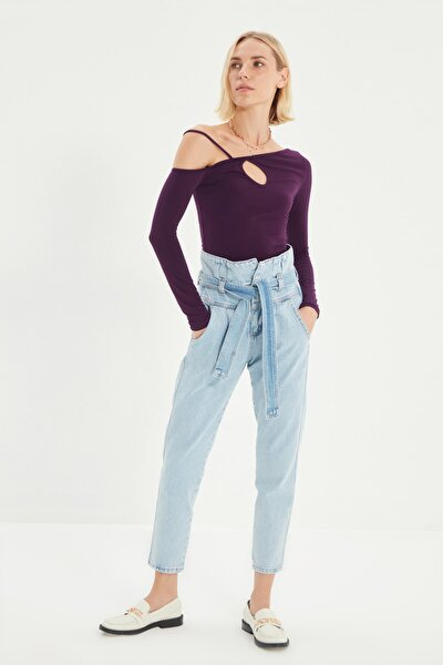 Açık Mavi Kemerli Beli Büzgülü Süper Yüksek Bel Mom Jeans TWOSS21JE0095