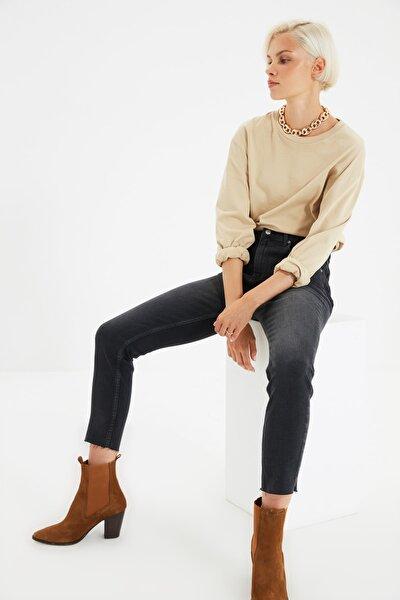Siyah Paçası Kesikli Yüksek Bel Slim Fit Jeans TWOSS21JE0014