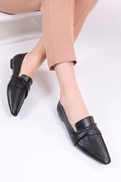 Kadın Siyah Sivri Burunlu Loafer Ayakkabı